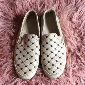 Tory  Burch leather shoes GUC